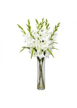 9 белых гладиолусов в вазе